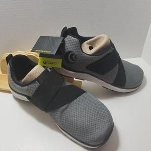 TOPO athletic W-Cor women's grey/black size 11